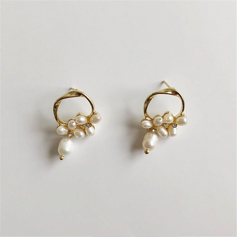 Pale Gold Earrings Natural Freshwater Pearl Flower Girl Earrings Geometric Contracted Personality Fashion Earrings Gift