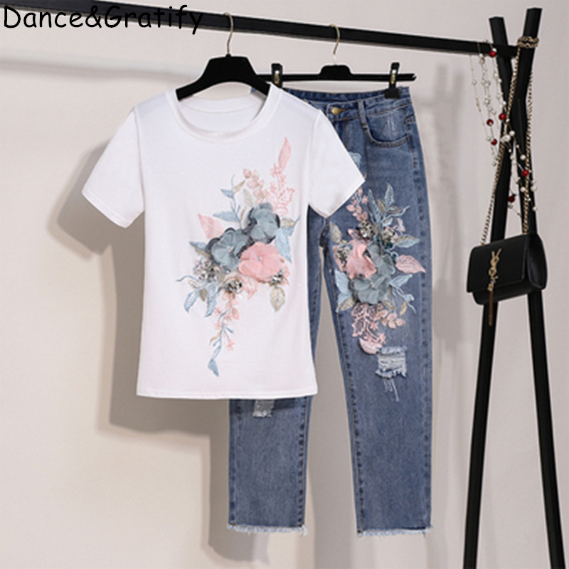2019 Summer Women New Fashion Embroidery Sequins 3D Flower Short Sleeve Cotton Tshirt + Hole Jeans Two Piece Pant Set Denim Suit