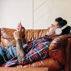 Image 5 - Dodocool Gecertificeerd Hi Res Bliksem Naar 3.5Mm Hoofdtelefoon Audio Jack Koptelefoon Adapter 3.5Mm Koptelefoon Converter In line Afstandsbediening
