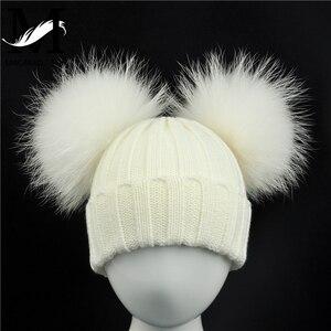 Image 2 - Zimowa czapka z dzianiny dla dzieci z dwoma futrzany pompon poms chłopiec dziewczyny futro naturalne piłka czapka czapki dla dzieci podwójne prawdziwe futrzany pompon czapka z pomponem dla dzieci