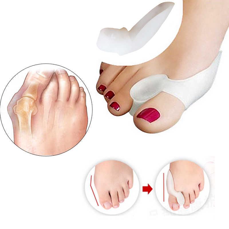 2 Pcs = 1 Pair Silicone Toes Separator Regolatore Borsite Bone Ectropion Toes Esterno Appliance Strumenti di Cura Del Piede Alluce Valgo correttore