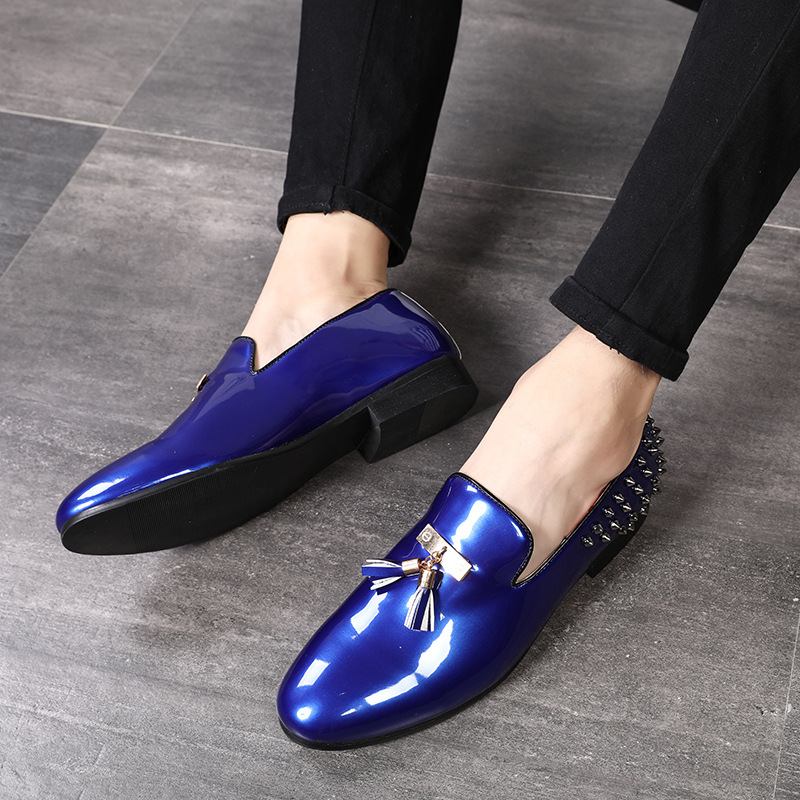 New men party Dress shoes breathable fashion wedding casual shoes Patent Leather Male Casual Flats solid lace up blue red black lace panel casual shift dress fashion