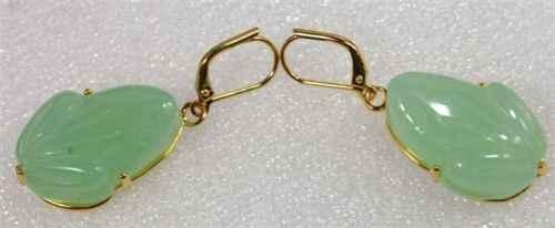 FRETE GRÁTIS >>> 2 tipos de Fantasia da senhora contas sapo verde jade esculpido brincos HOT JEWE