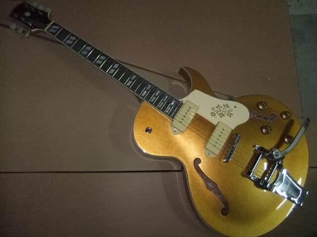 Wholesale New G Jazz Guitar 1959 ES-335 ES355 electric guitar goldtop bridge bigsby in gold ES 355 ES335 110505 new arrival dave grohl guitar dg 335 electric guitarra goldtop jazz style diamond holes metallic in gold 170920