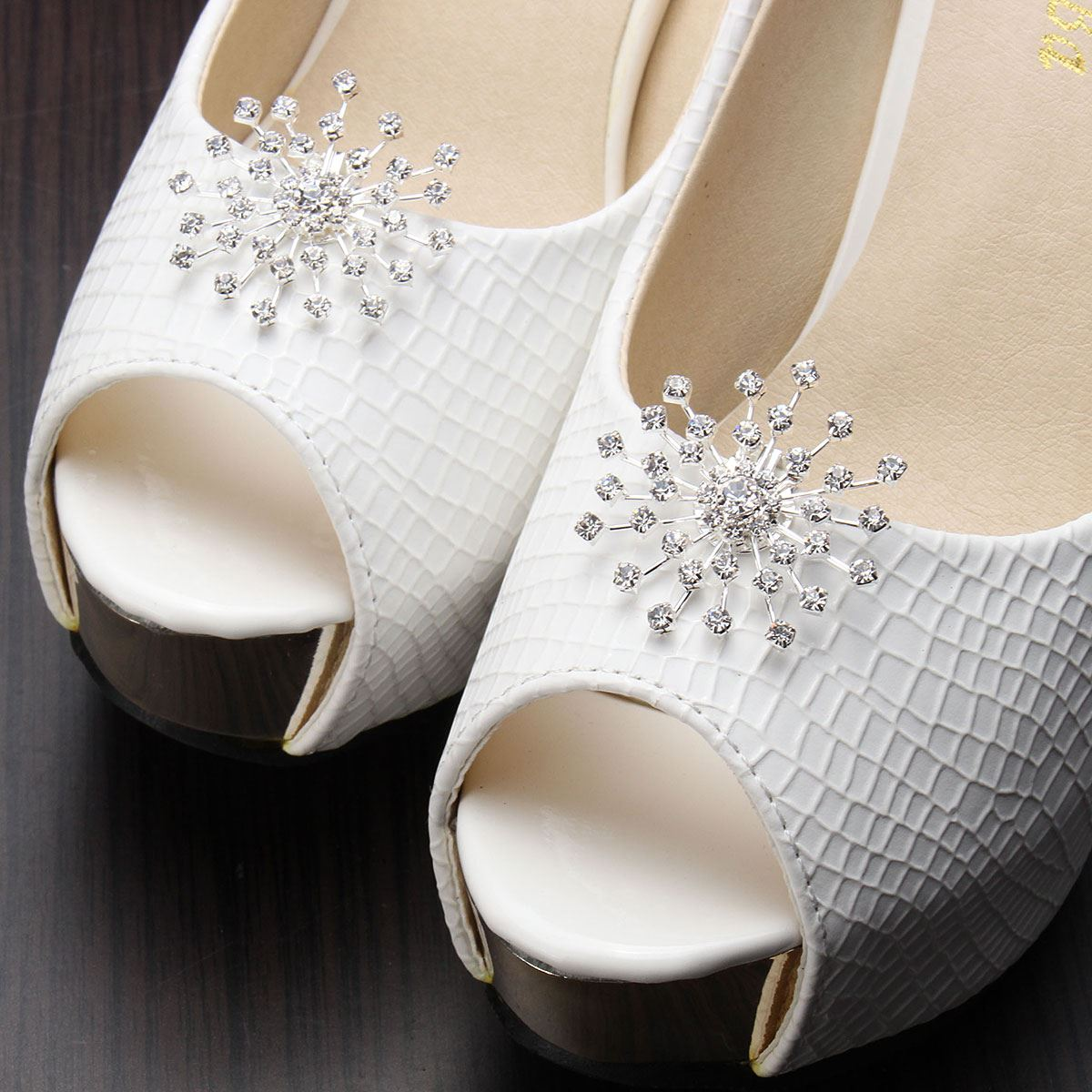 1 Pair White High-heel wedding shoes Crystal Rhinestone Boots Shoe Buckle Clips Silver Snowflower Decoration Buckle Clip Charms