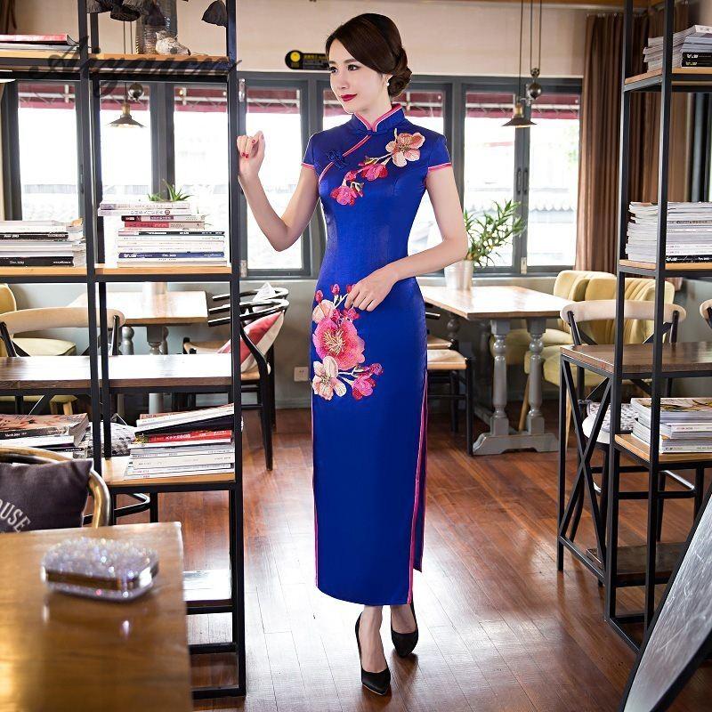 Vestido tradicional chino moderno Vestido de fiesta negro Qipao de seda Sexy Cheongsam bordado Oriental Vestido de noche Vestido QL - 2