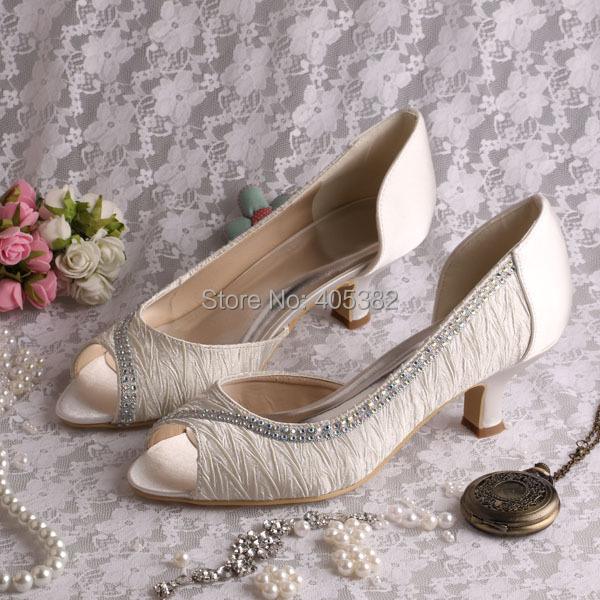 ФОТО Hot Selling Customized Ladies Fancy Low Heel Bridal Shoes Ivory Satin Size 34-42
