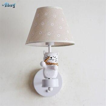 น่ารักการ์ตูนแมวเล่นรูปร่างเรซิ่นสำหรับห้องรับแขกห้องนอนเด็กโคมไฟข้างเตียง Home Decor wall sconces Light led