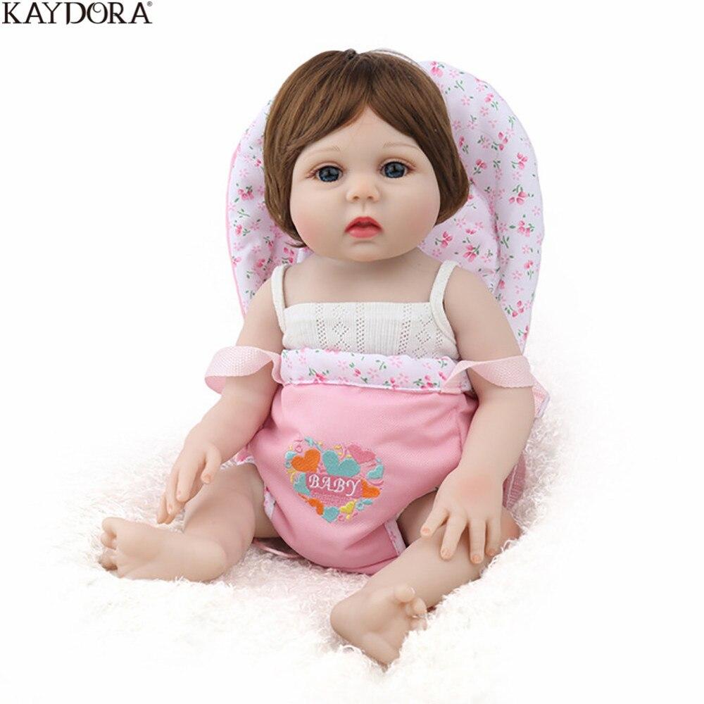 Fulll KAYDORA Renascer Baby Girl Boneca de Vinil Do Corpo Com o Cabelo Castanho Peruca Brinquedos Do Banho Do Bebê Nascido Boneca Bebe Reborn de Silicone menina