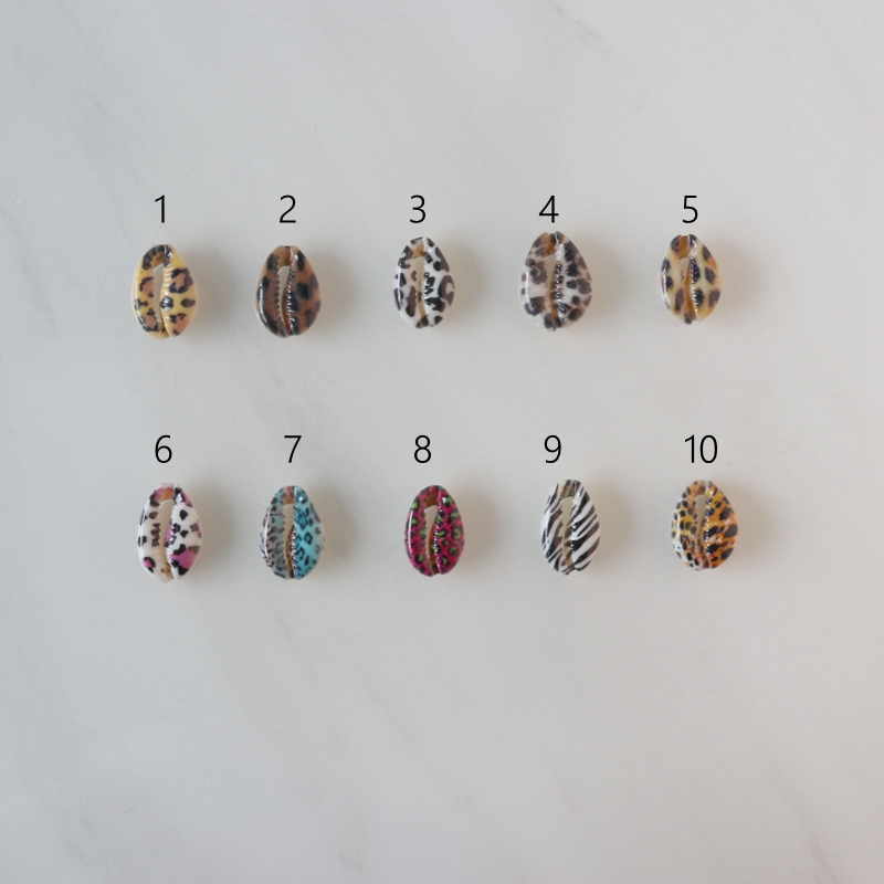 Free Shipping(50pcs/lot)10Colors Leopard Print Natural Cut Cowrie Shell Beads Digital Printing Shell For DIY Jewelry Accessories