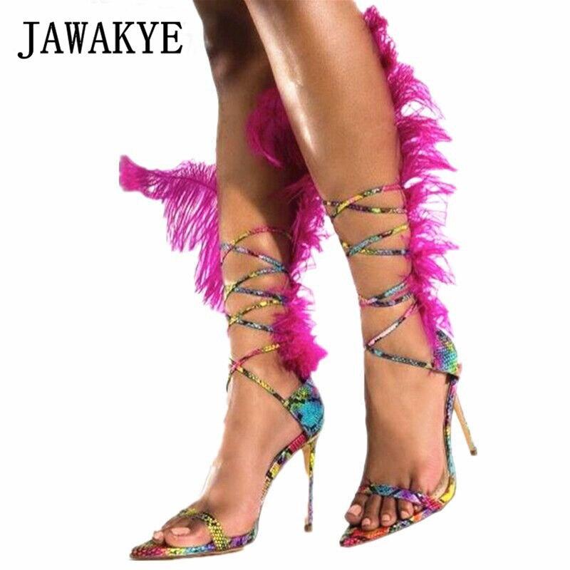 Sandales à plumes gladiateur rose vif femmes Sexy bout ouvert cheville à bretelles piste T Show chaussures de fête Sandalia Feminina