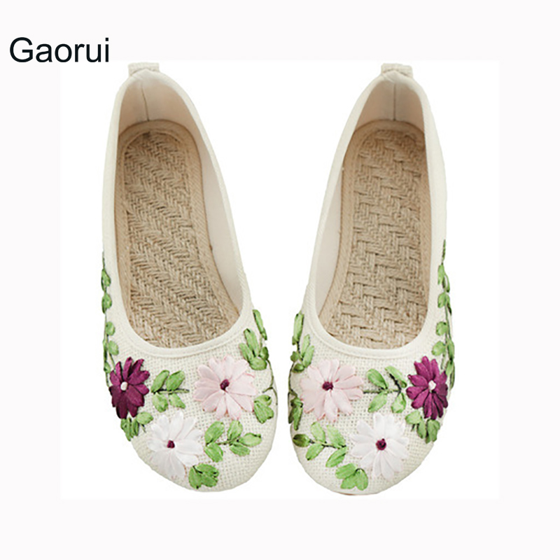 GAORUI New Plus Size Women Flats Flower Slip On Cotton Linen Comfortable Old Peking Ballerina Flat Shoes Sapato Feminino vintage embroidery women flats chinese floral canvas embroidered shoes national old beijing cloth single dance soft flats