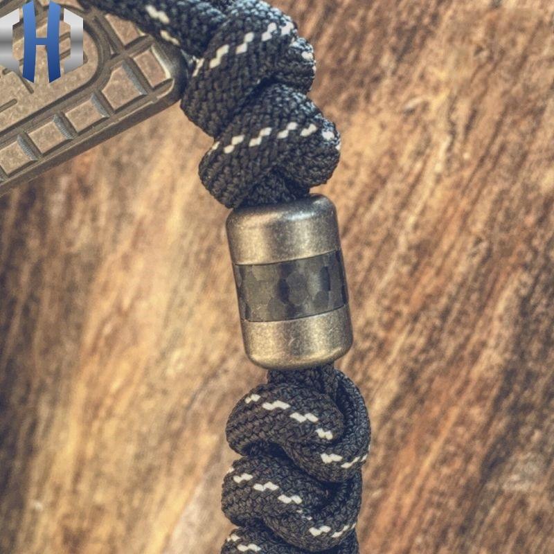 Paracord Beads Titanium Alloy Carbon Fiber Knife Pendant EDC Flashlight Pendant Personality Creative Manual DIY