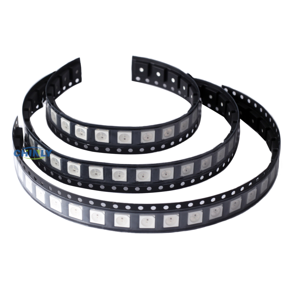 WS2812B Chip 4 pins 5050 SMD Svart / Hvit PCB Versjon WS2812 Individuelt Adressable Digital RGB LED Strip Lights 5V Pixel Chips