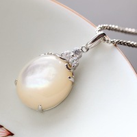 pavilion silver wholesale Manually set the natural mother of pearl pendant Ladies fashion 925 sterling silver pendant