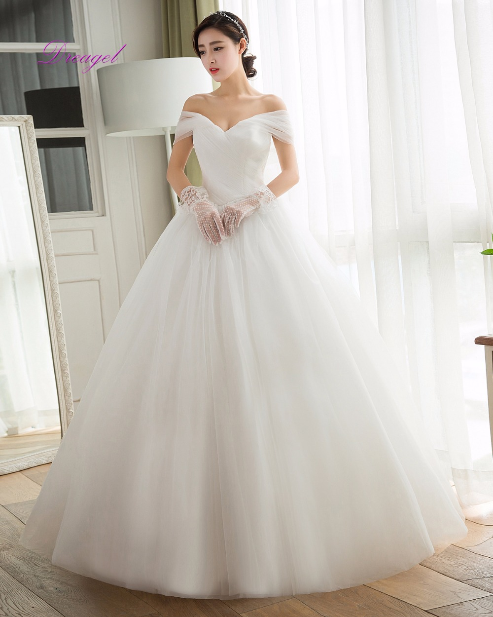Dreagel New Design Glamorous Boat Neck Bohemian Wedding Dress 2019 Delicate Pleated Lace Up Robe De Mariage Vintage Wedding Gown