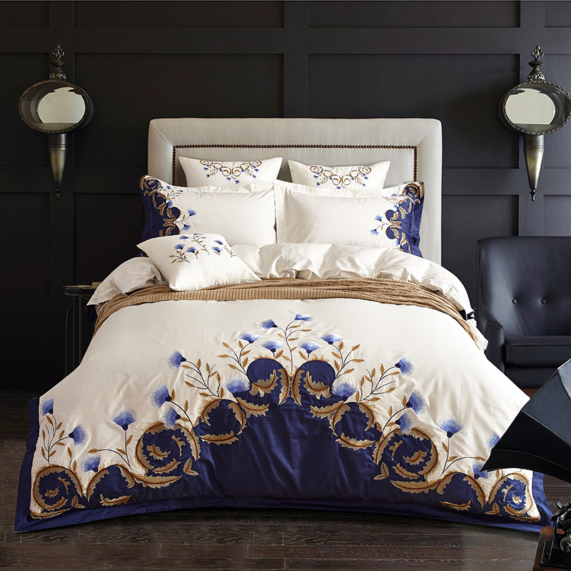 White Blue Embroidered Luxury Bedding Set 60S Egyptian Cotton Double King Queen Size Bed Sheet Set Duvet Cover Pillowcase
