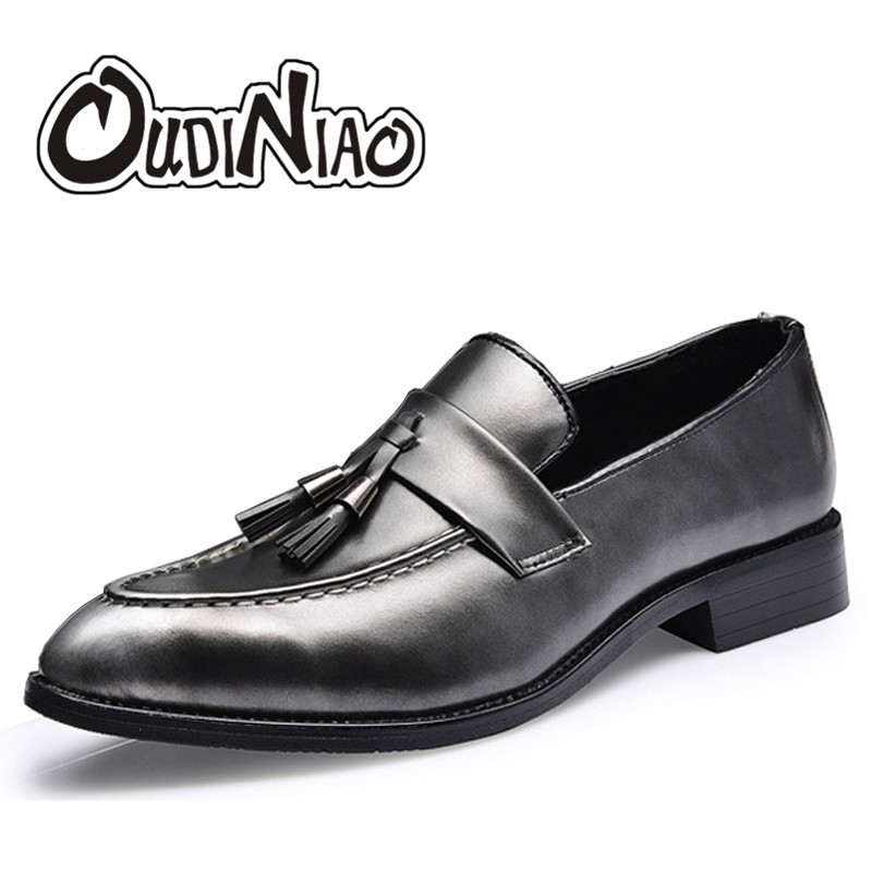 Fringe Slip On Flats Men Silver Shoes Mens Patent Leather Black Shoes Pointed Toe Mens Tassel Loafers Shoes Casual Men Red pointed toe tassel leather shoes men slip on brogue shoes flats british style rivet shoes casual loafers chaussure homme 022