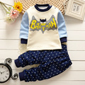 Новый 2016 Детские Мальчики девочки одежда устанавливает Толстые теплые мультфильм бэтмен супермен хлопок Костюм 2 шт. рубашка + Брюки Наряд Комплект Одежды костюм