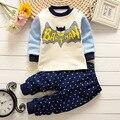 Novo 2016 conjuntos de roupas de Bebê Meninos meninas Grosso quente dos desenhos animados batman superman Terno de algodão 2 pcs shirt + Calças Conjunto de Roupas Roupa terno