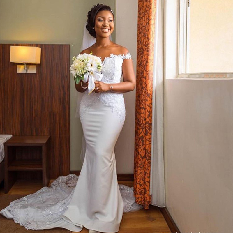 Fascinating Off Shoulder Mermaid Wedding Dresses 2019 Sexy Backless Lace  Long Sweep Train Africa Vestido de noiva Plus Size-in Wedding Dresses from  Weddings ... e469152c3230