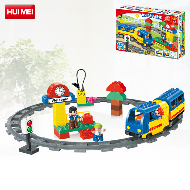 ФОТО HUIMEI 51 Pcs Railway Track Electric Train Model Block Set Education Baby Toys Train Conductor Compatible With Duplo Gift