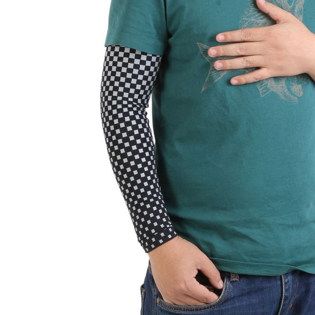 9caf46b83c Bicycle Arm Warmer Basketball Elastic Compression Cycling Sun Uv Cycling  Arm Protective Clamps Sleeves Armbands