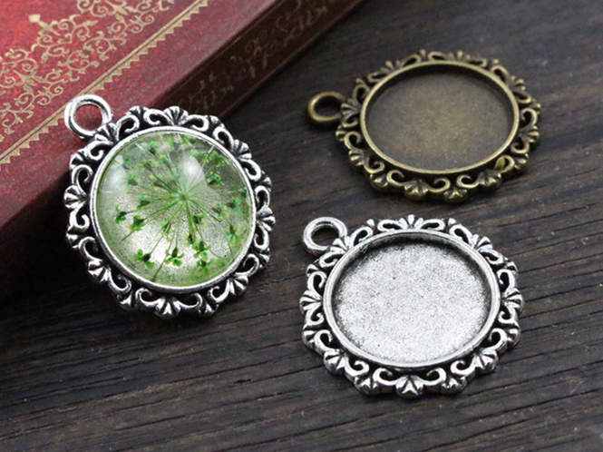 10pcs 18mm Inner Size Antique Bronze And Silver Texture Style Cabochon Base Cameo Setting Charms Pendant10pcs 18mm Inner Size Antique Bronze And Silver Texture Style Cabochon Base Cameo Setting Charms Pendant