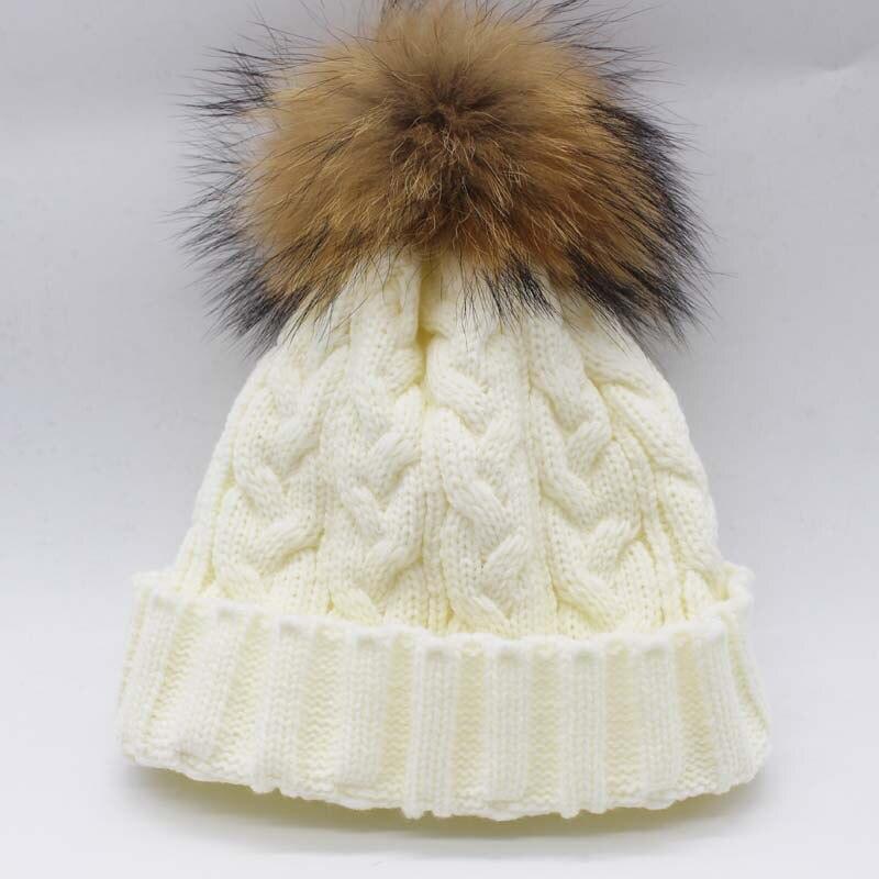 Зимняя женская шапка Skullies Beanies, шапка из натурального меха енота с меховым помпоном 15 см для женщин и мужчин, шапка Skullies В Стиле Хип-хоп, Русская Шапка - Цвет: Белый