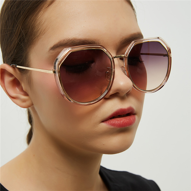 iGUETTA Retro Round Sunglasses Women Brand Designer Alloy Round Clear Sun Glasses Women 2019 UV400 Hgh Quality IYJB574 in Women 39 s Sunglasses from Apparel Accessories
