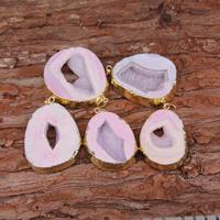 3-10 개 도매 자연 Druzy 오드 자유형 슬래브 펜던트 보석, 핑크 Drusy 원료 돌 도금 골드 에지 돌 목걸