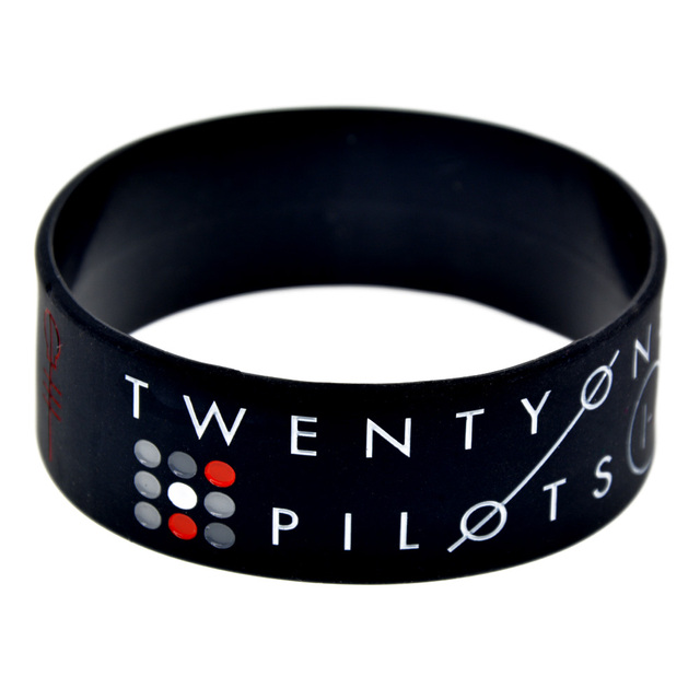 Onebandahouse 25pcs Lot 1 Inch Rock Band Twenty One Pilots Silicone Bracelet Wristband