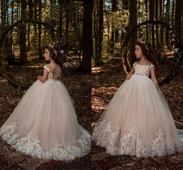 Princess Cap Sleeves Flower Girls Dresses 2017 Light Champagne Ball Gown Tulle with White Lace Appliqued Beaded Sash Girls Pageant Wear