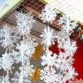 30Pcs Christmas Snow flakes White Snowflake Ornaments Holiday Christmas Tree Decortion Festival Party Home Decor XN676