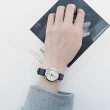 Women's watch Korean version of the retro casual leather watch female students simple dial thin belt waterproof quartz watch wu s new ladies watch waterproof fashion watch female students version of the simple casual trend quartz watch 2018