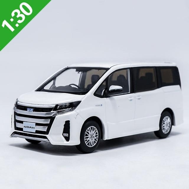 New 1 32 Scale Toyota Noah Mpv Cast Car Model Collection Kids Gift Original Box