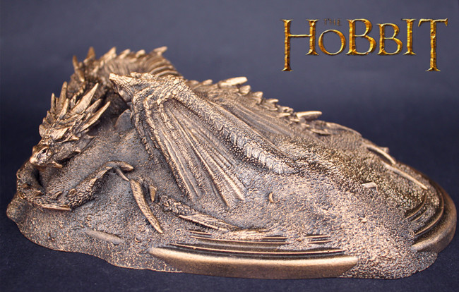 Hobbit, Smaug - King Under the Mountain, Dragon mini Statue. Weta Collectables. shu uemura uv spf30 pa 65g
