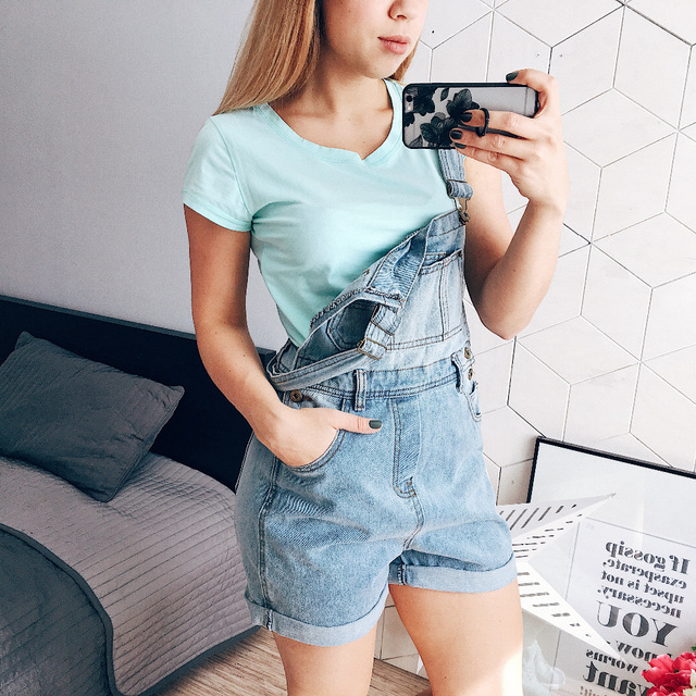 New denim shorts woman fashion elegant summer low waist jeans loose-fitting overalls woman with adjustable straps and pockets chicd 2017 new women basic shorts summer fashion slim mid waist white letter printing pockets denim jeans shorts mujer xp377