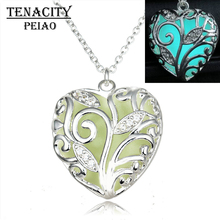 TENACITY PEIAO Glowing Necklace hollow out Glowing fashion Jewelry Glow Heart Pendant Women's Glow in the Dark Gifts for Her