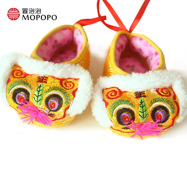 Mopopo Recién Nacidos Zapatos de Bebé de Invierno 2017 Unisex Estilo Chino Nuevo Caliente Suave Zapatos de Bebé de Algodón Primer Caminante Del Bebé Zapatos de Niño