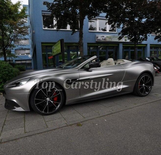 Housse de voiture en vinyle satiné chromé gris métallisé avec revêtement de véhicule sans bulles d'air avec dégagement d'air 1.52x20 m/4.98x66ft