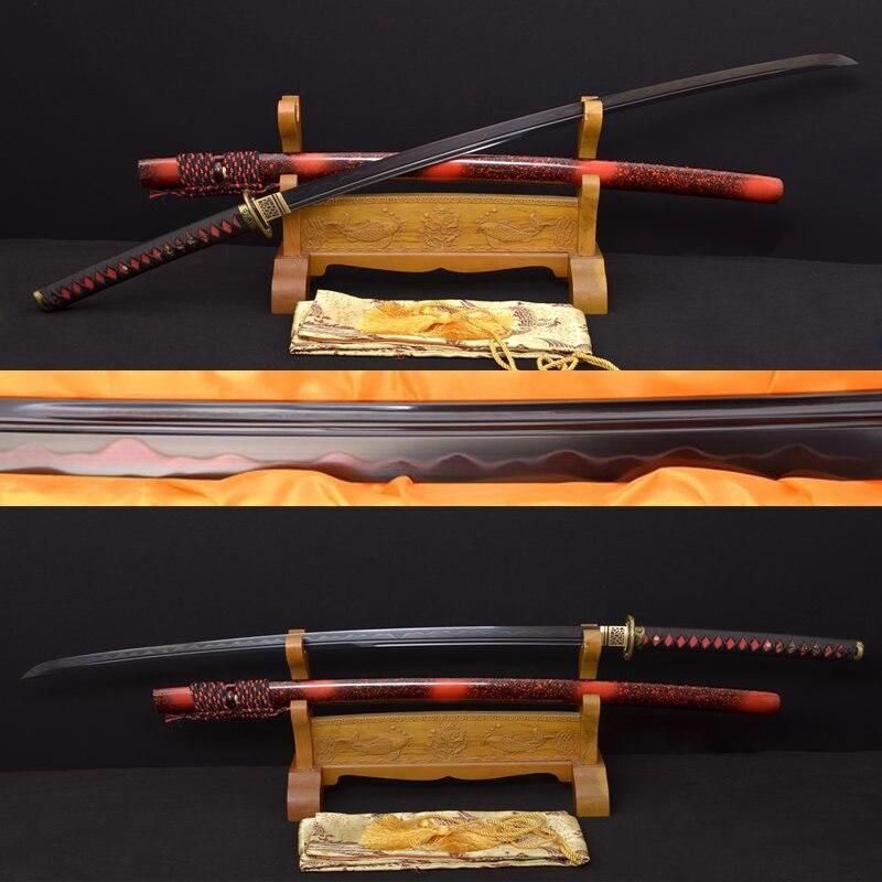 Ručně kovaná hlína temperovaná Katana Samurai Japonský cvičný meč Plně Tang skládaný Damašský ocelový černý čepel Swords Battle Ready