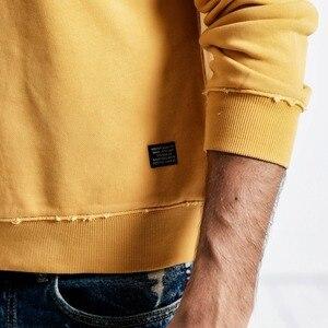 Image 4 - SIMWOOD 2020 봄 뉴 후드 남성 100% 코튼 찢어진 세부 빈티지 고품질 스웨터 편지 플러스 사이즈 까마귀 190083