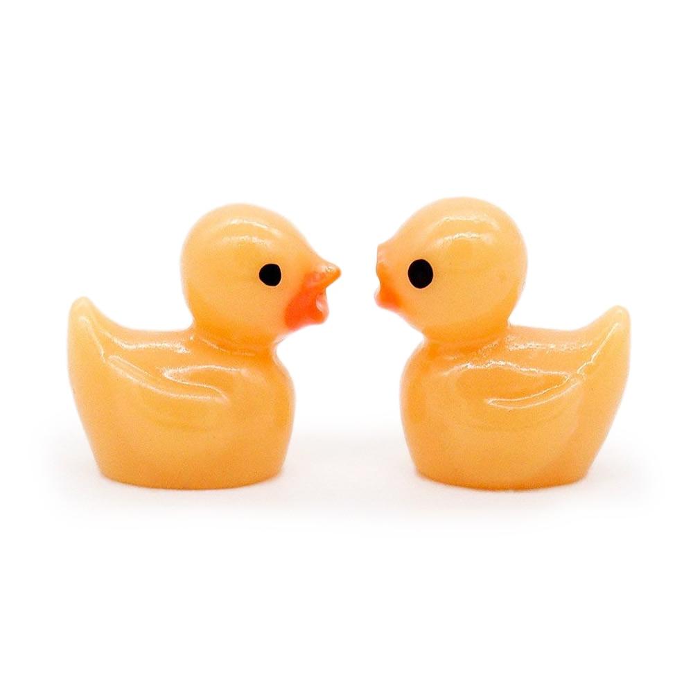 2PCS GIALLO Little Duck 1:12 casa delle bambole bagno Giardino Giocattolo in Miniatura Accessori