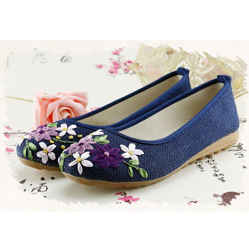 2016-New-Women-Flower-Flats-Slip-On-Cotton-Fabric-Casual-Shoes-Comfortable-Round-Toe-Student-Flat (1)