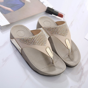 Image 3 - BEYARNE  hot sell women summer Comfortable Breathable Flat sandals shoes woman flip flop Crystal casual beach sandals size