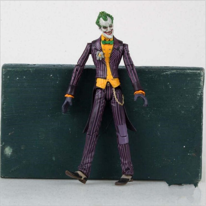 """DC Batman The Joker PVC Action Figure Collectible Model Toy 7/"""" 18cm"""