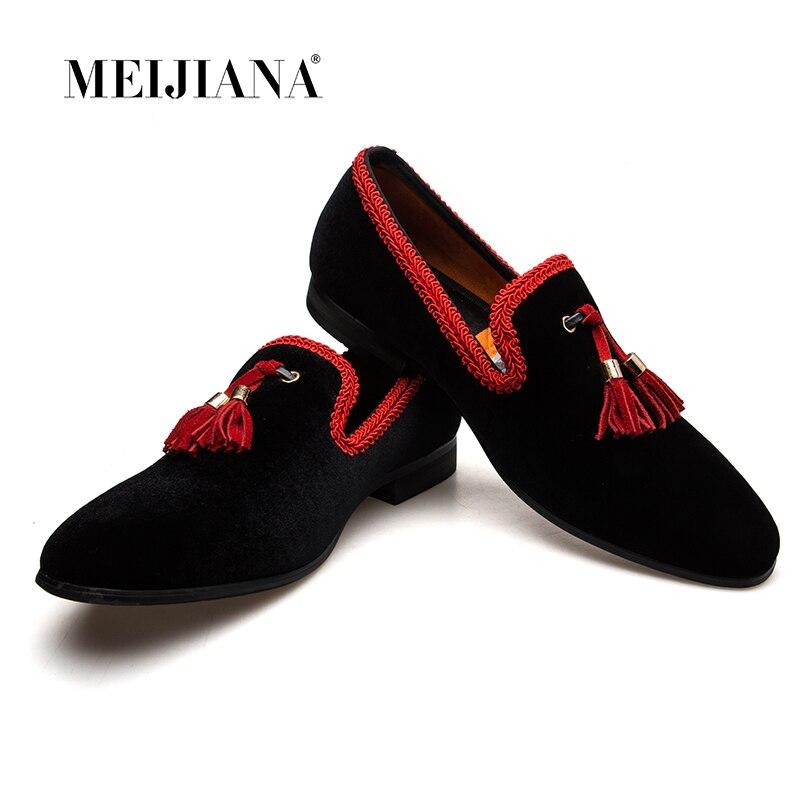 MeiJiaNa 2019 ใหม่ผู้ชาย Loafers Slip รองเท้าสไตล์จีนรองเท้าหนังลำลองชายสีดำ/สีแดง Flats-ใน รองเท้าลำลองของผู้ชาย จาก รองเท้า บน   1