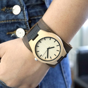 Image 4 - BOBO BIRD Mens Top Brand Mapel Wood Watches Chicago Bracelets Soft Leather Bands Straps With Gift Box Drop Shipping Relog