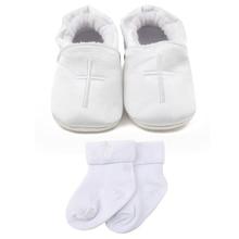 04036267ed3 Delebao 2018 nuevo diseño mentiras de encaje-Santo blanco púrpura bebé  bautizo y zapatos de Bautismo